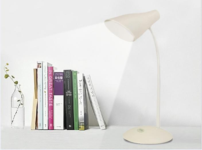 flexible arm led desk lamp dimmable with touch dimmer and 3-C light modes