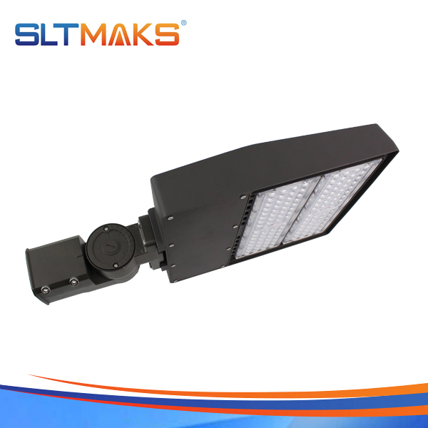 SLTMAKS 200W LED Shoebox light led parking lot light led street light DLC UL listed 5years warrant