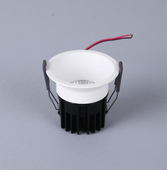 Top sale commercial BIS approved die cast LED spot light for home inside