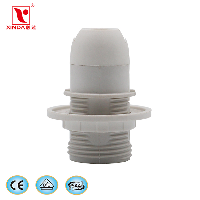 China supply lighting accessories CE certified E14 screw shell type plastic lamp holder with shade r