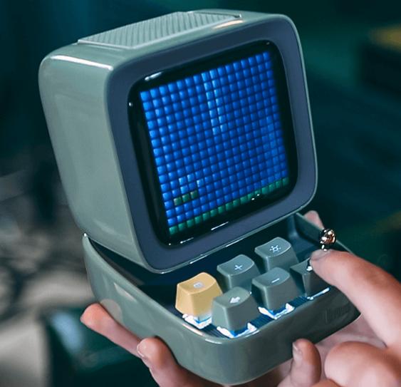 Pixel speaker planetary lamp